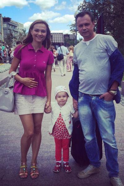 Маруся, Ника и Владимир Левкины