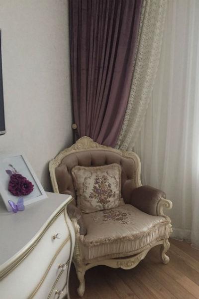 Для обустройства интерьера Соколова заказывала особую мебель