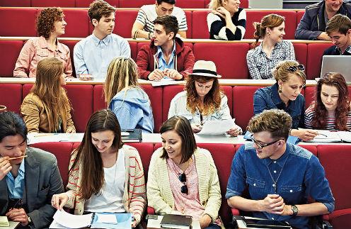 Если закон примут, с 1 января 2017-го дети чиновников станут учиться только в российских вузах