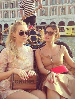 Тина Канделаки со своей подругой