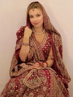 Марина Газманова в национальных индийских одеждах