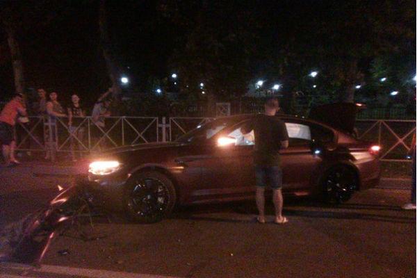 Автомобиль Смолова серьезно пострадал