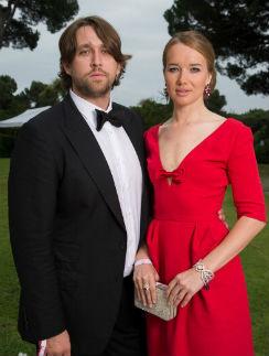 Красивую пару  Иду и Алексея  замечали все  вокруг