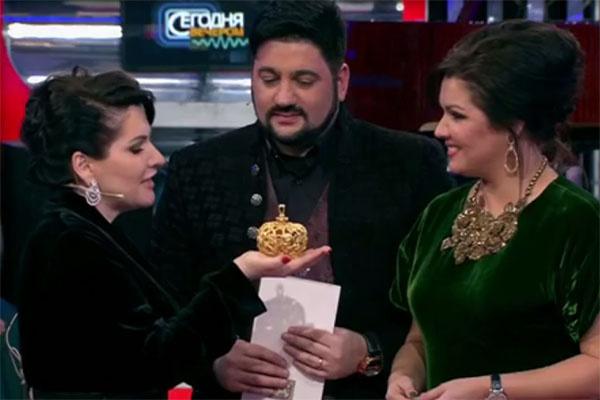 Оперная певица Хибла Герзмава, которая не смогла присутствовать на свадьбе Анны и Юсифа, поздравила молодых в студии