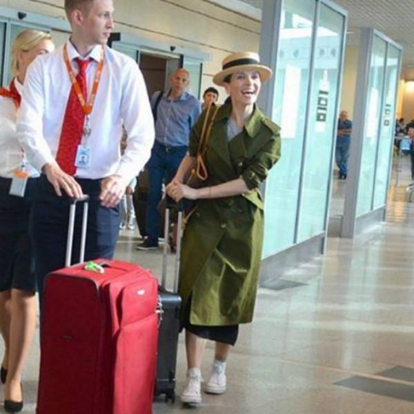 Наталья Орейро в аэропорту «Домодедово»