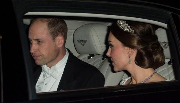 Принц Уильям и Кейт Миддлтон перед приемом Елизаветы II