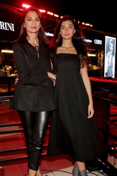 Поклонники считают, что дочь актрисы Палома удивительно похожа на нее