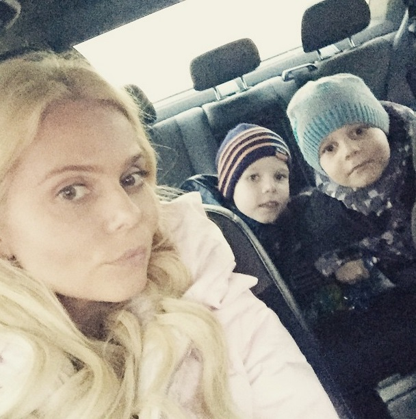 Ксения Новикова с детьми