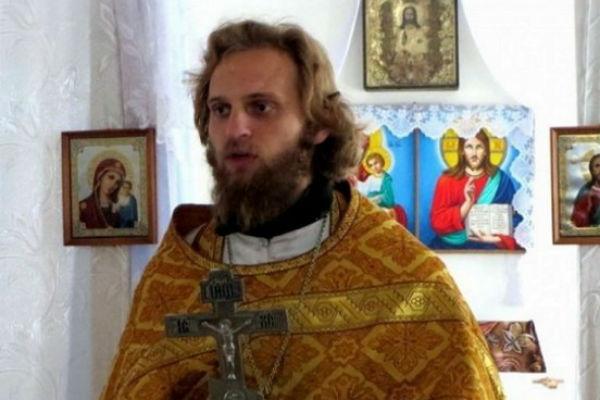 Пользователи Сети утверждают, что Вальтер бывший священнослужитель