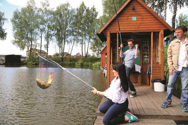 Местом «сражения» звезд стало озеро Бобок деревни Первомайка Раменского района