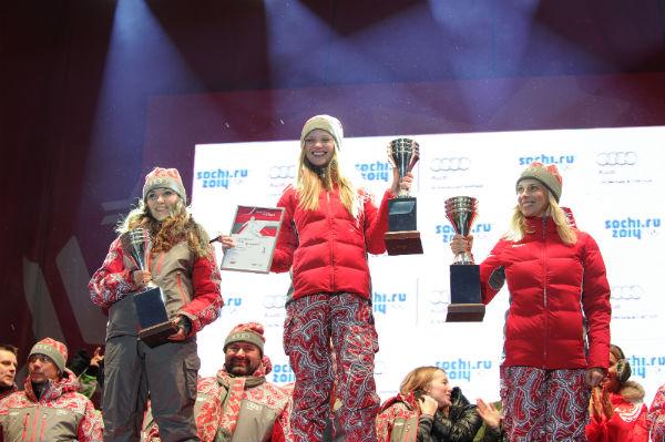 Победительницей среди лыжниц стала Елена Кулецкая, второй пришла Катя Добрякова, третьей стала Алена Свиридова