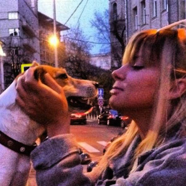 Настя и ее любимец Бобза