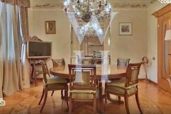 Интерьер квартиры был по-настоящему роскошным