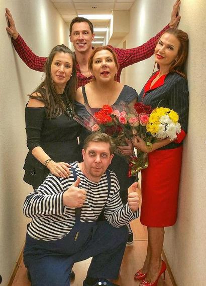 Эвелина с коллегами ездили по городам страны со спектаклями