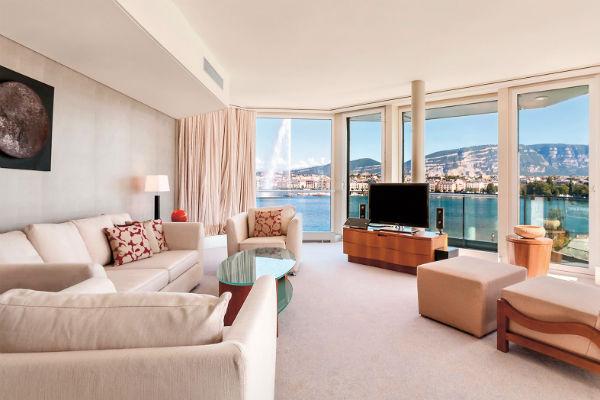 Согласитесь, такой панорамой можно наслаждаться только в Grand Hotel Kempinski