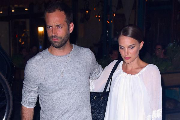 С супругом Натали познакомилась в 2009 году во время съемок в фильме «Черный лебедь», а уже в 2011-м подарила ему сына Алефа