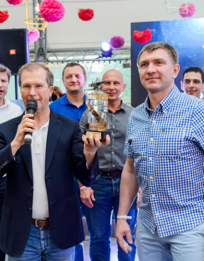 "Виктор Шкулёв, Алексей Саранов (капитан команды ""Терминал"")"
