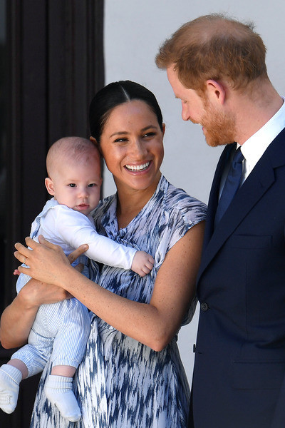 «Он был глубоко несчастлив долгие годы»: Принц Гарри и Меган Маркл обсуждали «Мегзит» еще до свадьбы