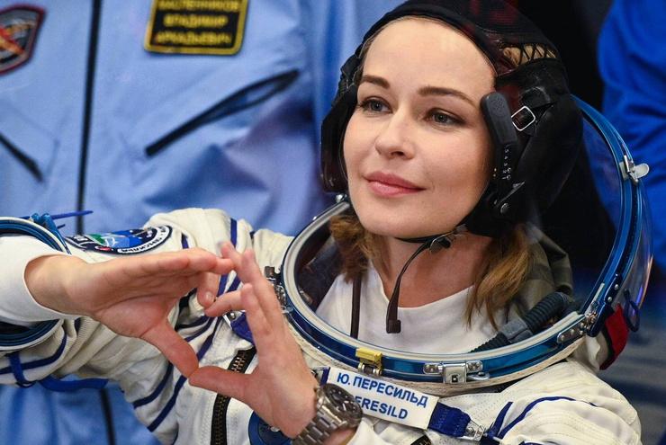 Накануне дети актрисы проводили ее в космос, попросив передать привет инопланетянам