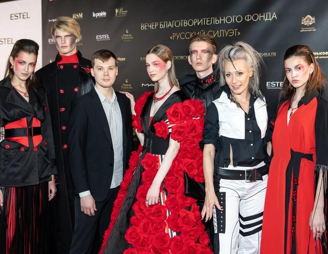 Молодой дизайнер Михаил Манаков