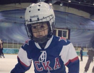 Певица Зара растит из сына хоккеиста