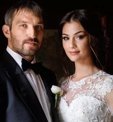 Александр Овечкин и Анастасия Шубская впервые стали родителями