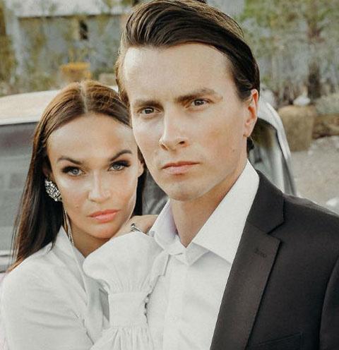 Экс-участница «ДОМа-2» Алена Водонаева и Алексей Косинус расстались