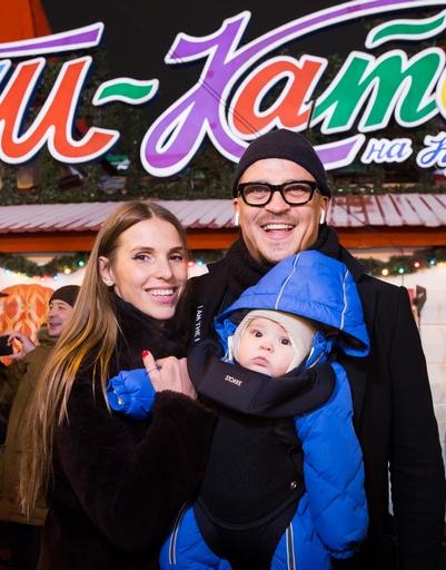 Антон Беляев с женой и сыном