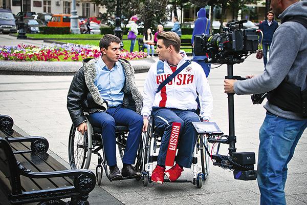 Актер не один день провел на коляске в центре Москвы