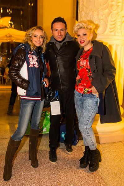 Певица Тина Кузнецова (справа) с мужем Юрием Усачевым и участницей «Голоса» Еленой Максимовой