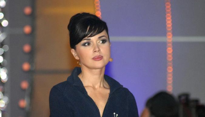 Анастасия Заворотнюк подарила матери иномарку за два миллиона