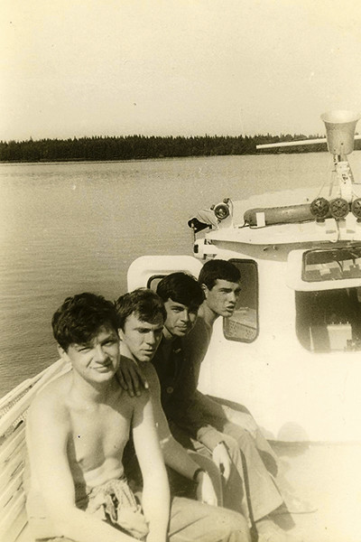 Уже в студенчестве Александр Беляев отправлялся в экспедиции и по морю, и по суше