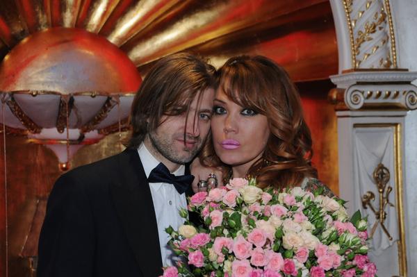 Азиза рассталась с Александром Бродолиным после девяти лет отношений
