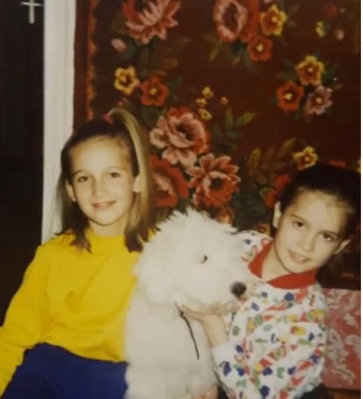 Ольга и Аня Бузовы в детстве