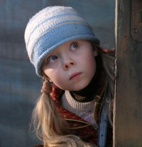 Как живет девочка-сирота из фильма «Кука» 13 лет спустя