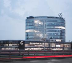 «Любимую машину Энди Уорхола» представят в салоне продаж «Mercedes-Benz RUS»