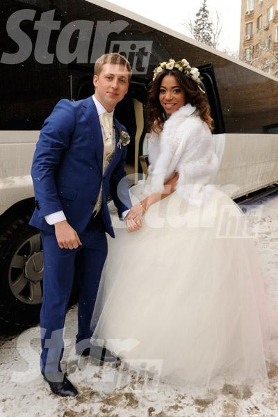 Женя и Либерж около лимузина