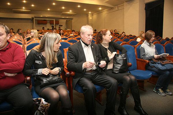Иван Краско наблюдал за происходящим из зрительного зала