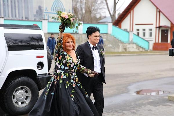 Артисты вступили в брак 30 марта