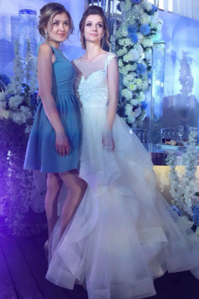 Невеста сделала ставку на подчеркнуто романтичный образ
