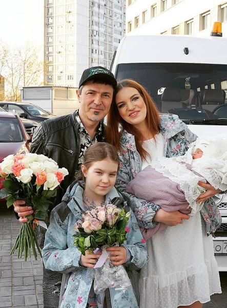 Алексей Потехин и его жена теперь стали родителями двух дочек