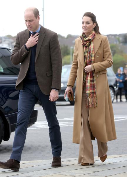 Герцогиня меняла по несколько нарядов в день