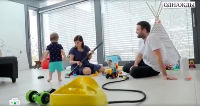 Максим и Агния поровну делят обязанности по дому