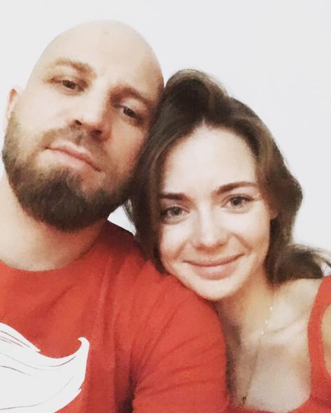 Карина Разумовская с мужем.