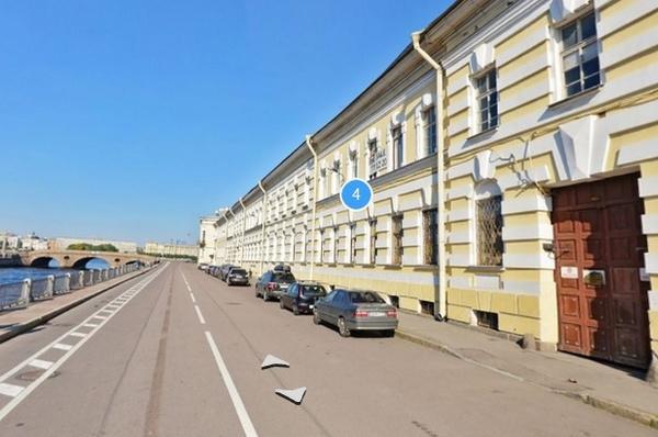 Сергей переехал в элитную квартиру близ Летнего сада год назад