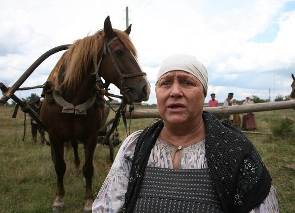 Нина Русланова в картине «Жила-была одна баба»