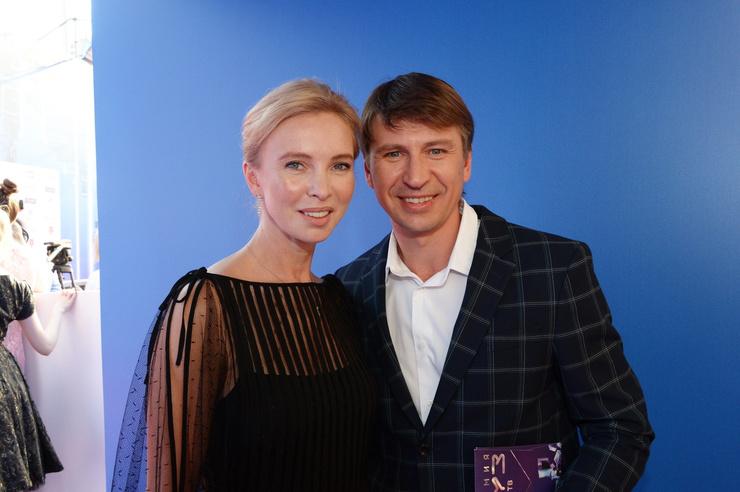 Во всех начинаниях Ягудина поддерживает жена Татьяна Тотьмянина