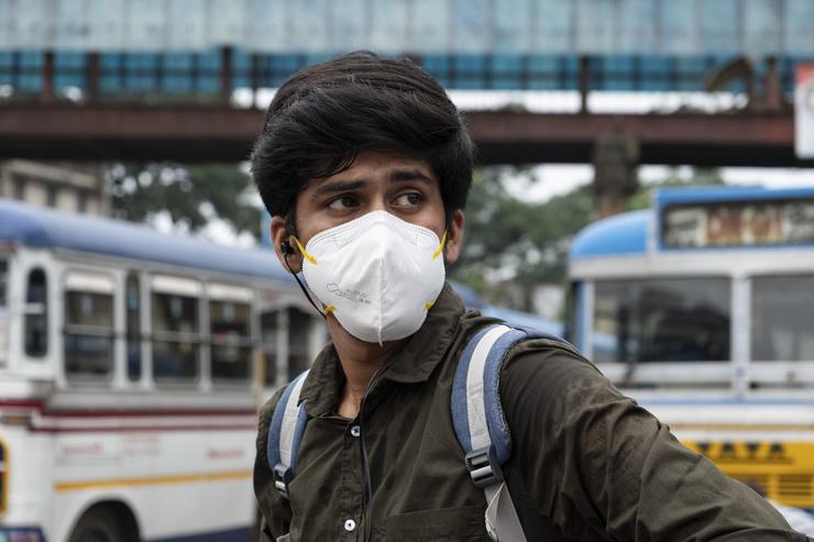 Ситуация с коронавирусом остается ужасной во многих странах