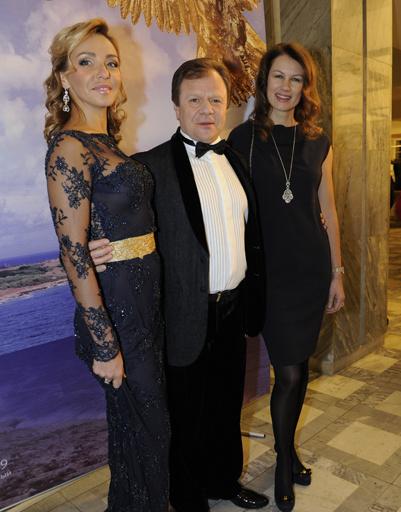 Татьяна Навка и Игорь Бутман с супругой