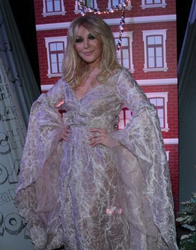 нее секс фото видео наташа королева в прозрачном платье да